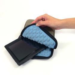 """Pouzdro pro tablet 8"""" Bubble, béžový z nylonu - 5"""